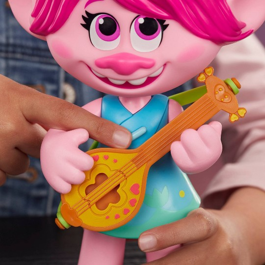 DreamWorks Trolls World Tour Pop-to-Rock Poppy Singing Doll image number null
