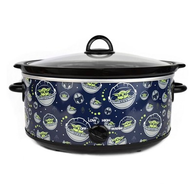 Uncanny Brands Star Wars Mandolorian 7 Qt Slow Cooker