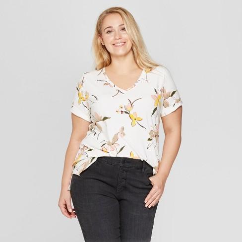 cc93996178c4 Women's Plus Size Floral Short Sleeve V-Neck Essential T-Shirt - Ava ...