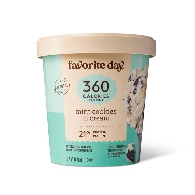 Reduced Fat Mint Cookies & Cream Ice Cream - 16oz - Favorite Day™