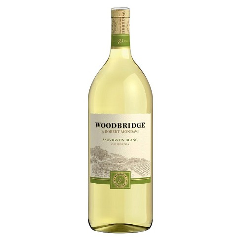 Woodbridge® Sauvignon Blanc - 1.5L Bottle - image 1 of 1