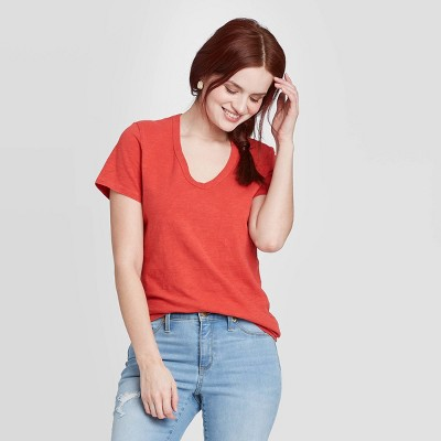 Women's Short Sleeve V-Neck T-Shirt - Universal Thread™
