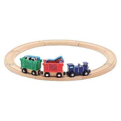 Melissa & Doug Farm Animal Wooden Train Set (12+pc)