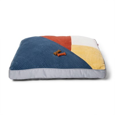 Gusset Pillow Dog Bed - M - Boots & Barkley™