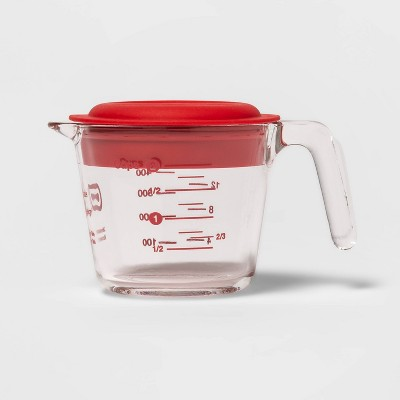 2 Cup Liquid Glass Measuring Cup with Plastic Lid - Made By Design™
