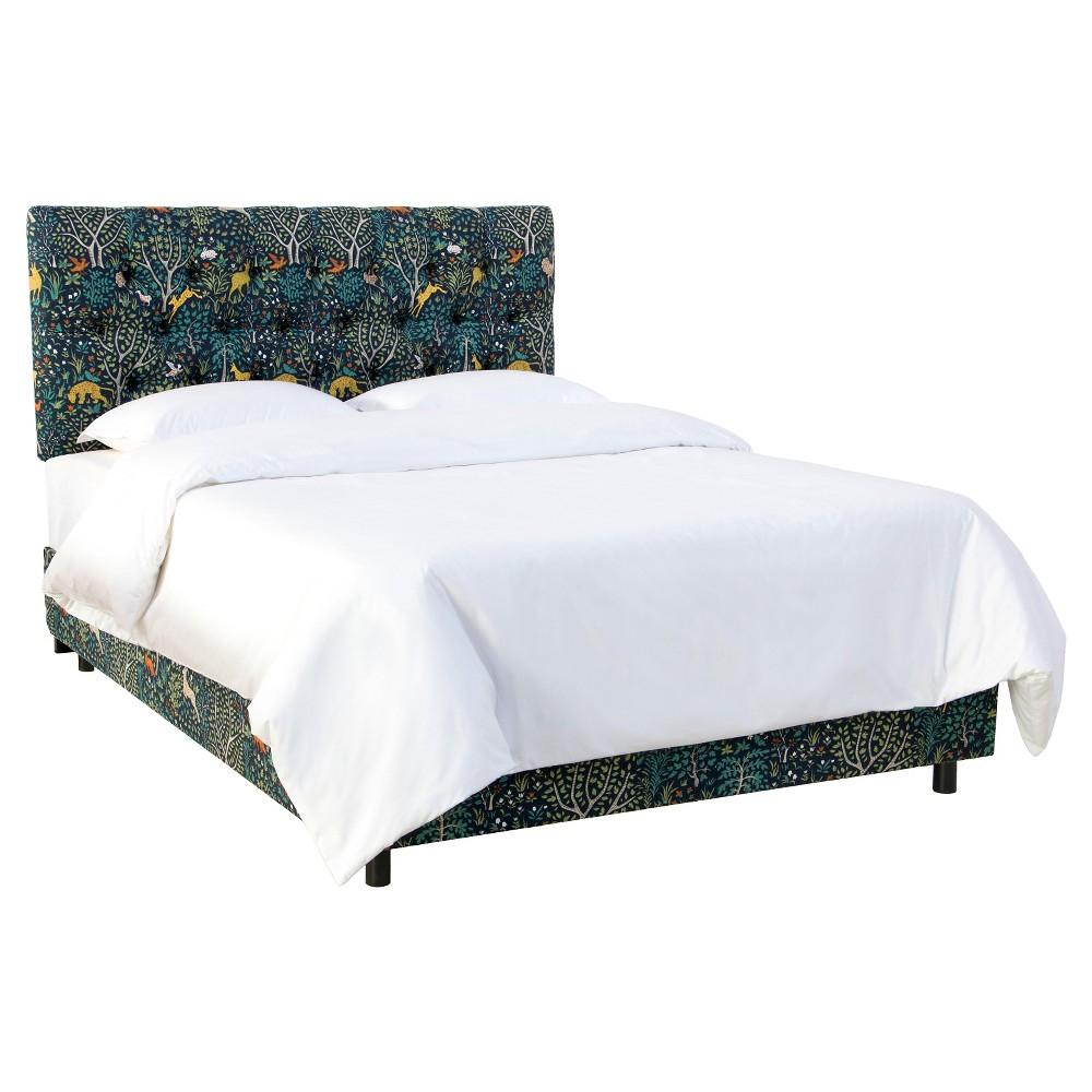 Queen Edwardian Tufted Bed Patterned Folkland Admiral - Skyline Furniture
