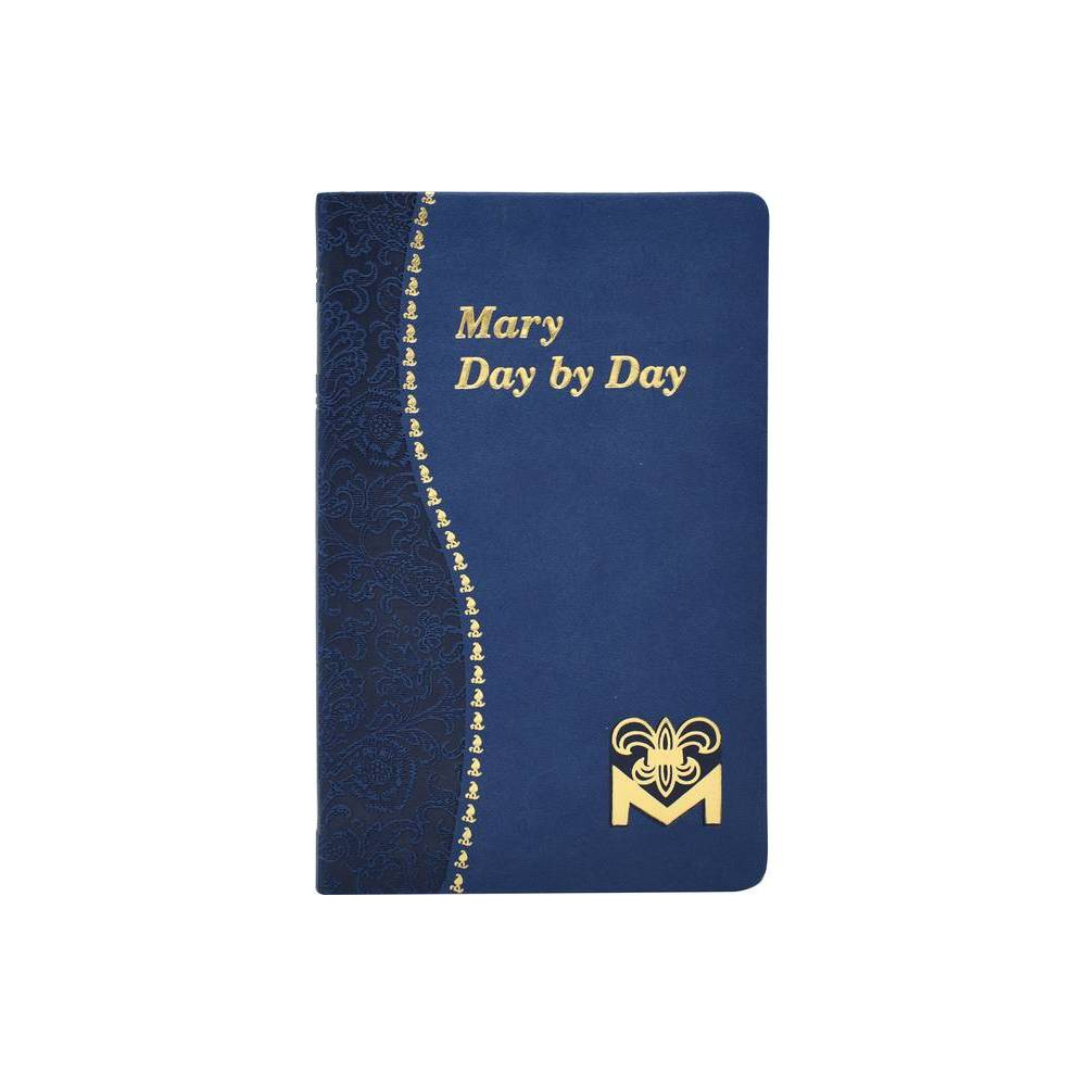 Mary Day by Day - (Paperback)