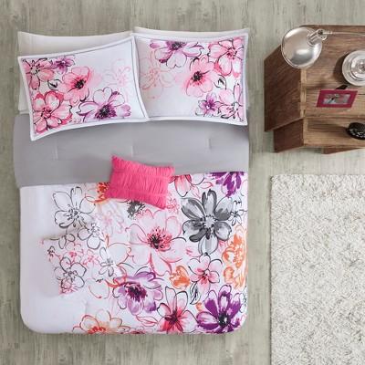 Skye Comforter Set