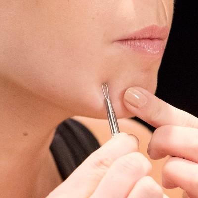 Tweezerman Skin Care Tool