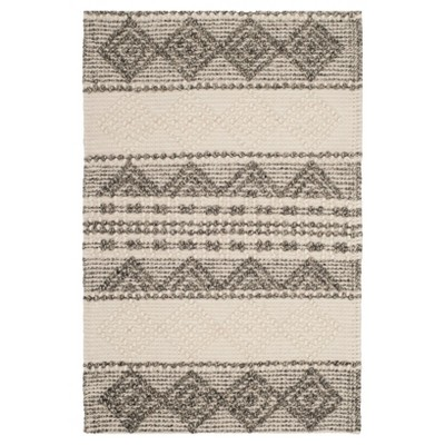 Bertram Tufted Rug - Safavieh