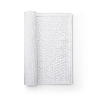 30 x21  Performance Solid Bath Mat White - Threshold™