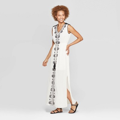 fc876099315 Women's Floral Print Strappy Scoop Neck Maxi Dress - Xhilaration™ · Women's  Sleeveless V-Neck Embroidered Maxi Dress - Knox Rose™ White