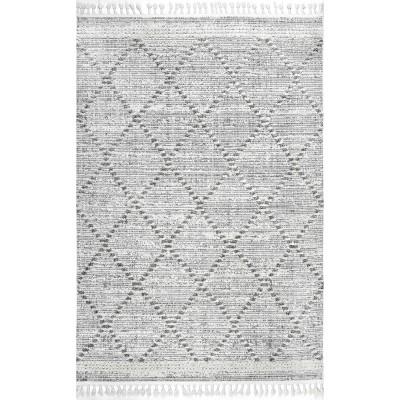 nuLOOM Skylar Textured Trellis Tasseled Area Rug