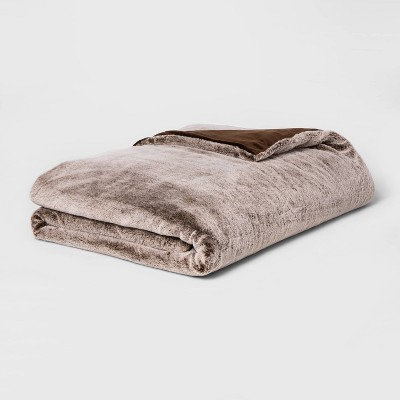 "55"" x 80"" 15lbs Faux Fur Weighted Blanket with Removable Cover Brown - Threshold™"