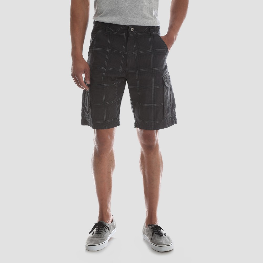 Wrangler Men's 10 Ripstop Cargo Shorts - Black Check 40