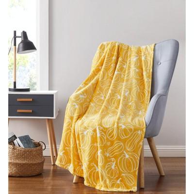 Kate Aurora Autumn Harvest Squash & Pumpkins Ultra Soft & Plush Throw Blanket