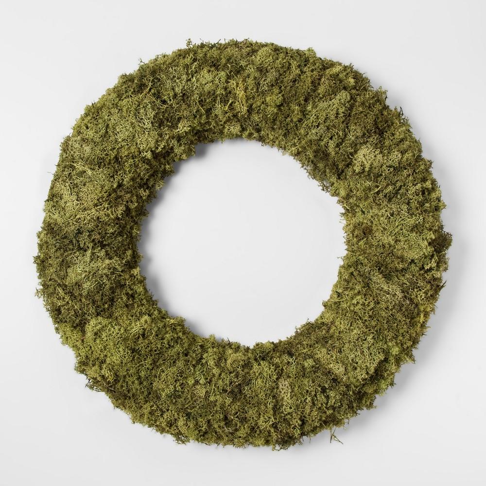 21.2 Dried Moss Wreath Green - Smith & Hawken