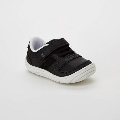1b214f7ad955 Sneakers