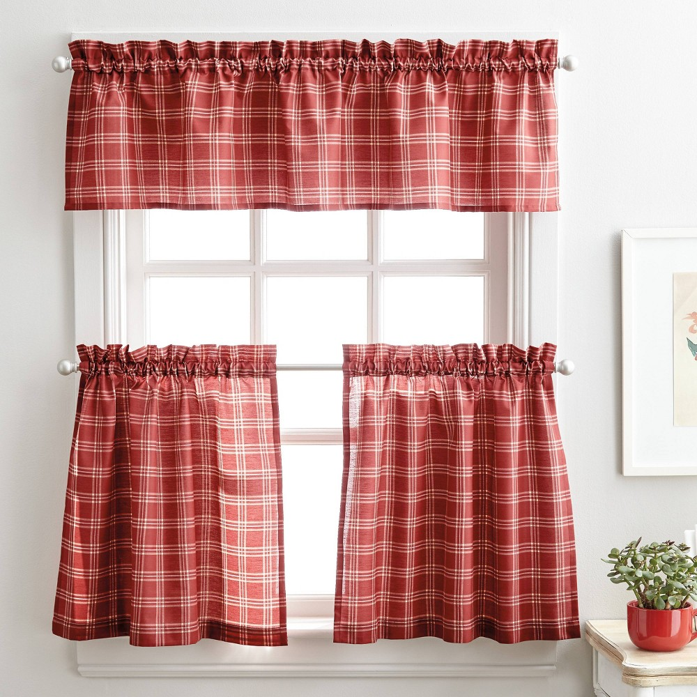 """Image of """"36"""""""" Lodge Plaid Tr Set Red - CHF Industries"""""""