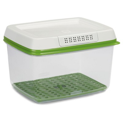 Rubbermaid 17.3 Cup FreshWorks Produce Saver Food Storage Container Green