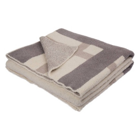 """60"""" x 50"""" Knitted Polyester Geometric Pattern Feather Yarn Throw Blanket - Glitzhome - image 1 of 4"""