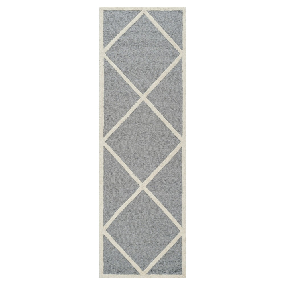 Reave Runner - Silver / Ivory (2'6 X 6') - Safavieh, Silver/Ivory
