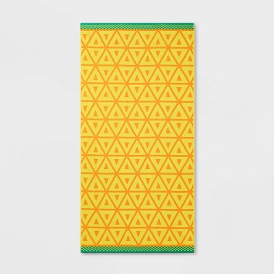 XL Pineapple Core Beach Towel Yellow - Sun Squad™