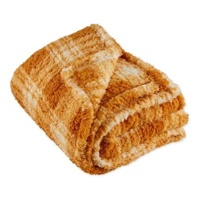 """50""""x60"""" Farmhouse Plaid Plush Throw Blanket - Design Imports"""