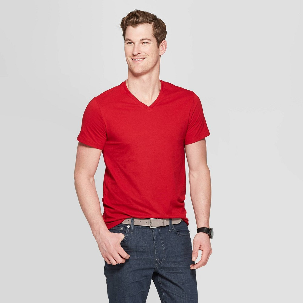 Men's Standard Fit Short Sleeve Lyndale V-Neck T-Shirt - Goodfellow & Co Red Velvet S