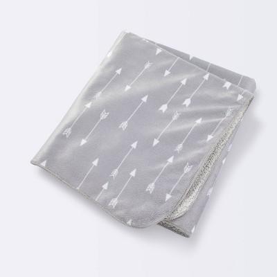 Plush Velboa Baby Blanket Arrows - Cloud Island™ Gray