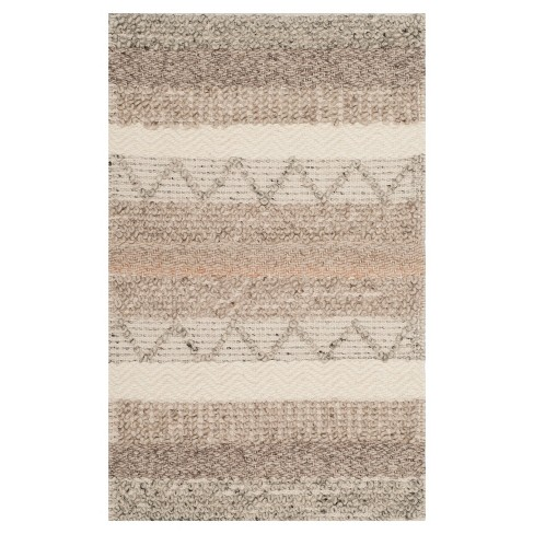 Indian Wells Tufted Rug - Safavieh - image 1 of 4