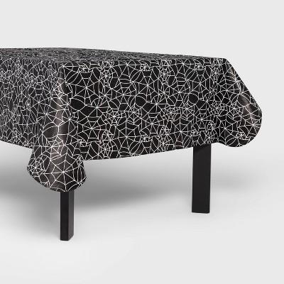 "60""x84"" Black Web Halloween Tablecloth - Hyde & EEK! Boutique™"