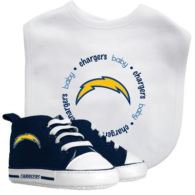 Los Angeles Chargers Bib & Prewalker Gift Set
