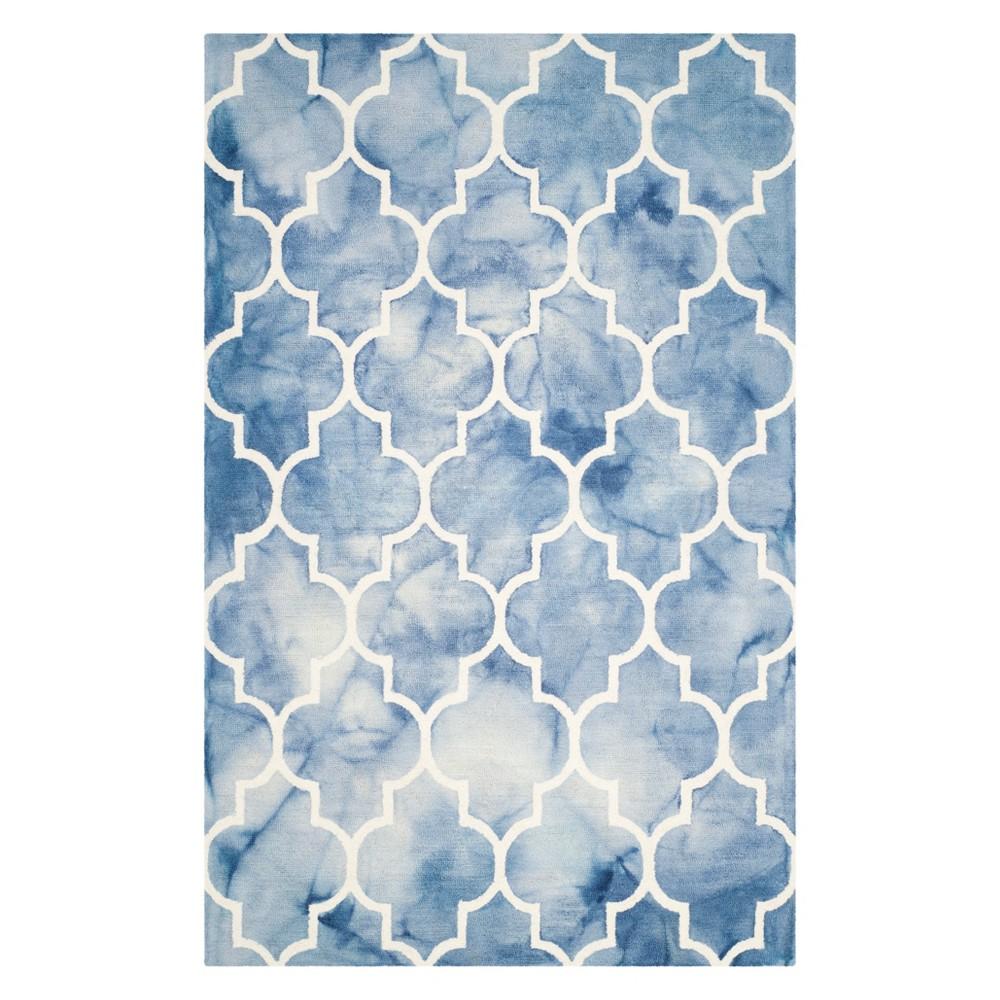 5'X8' Quatrefoil Design Area Rug Blue/Ivory - Safavieh