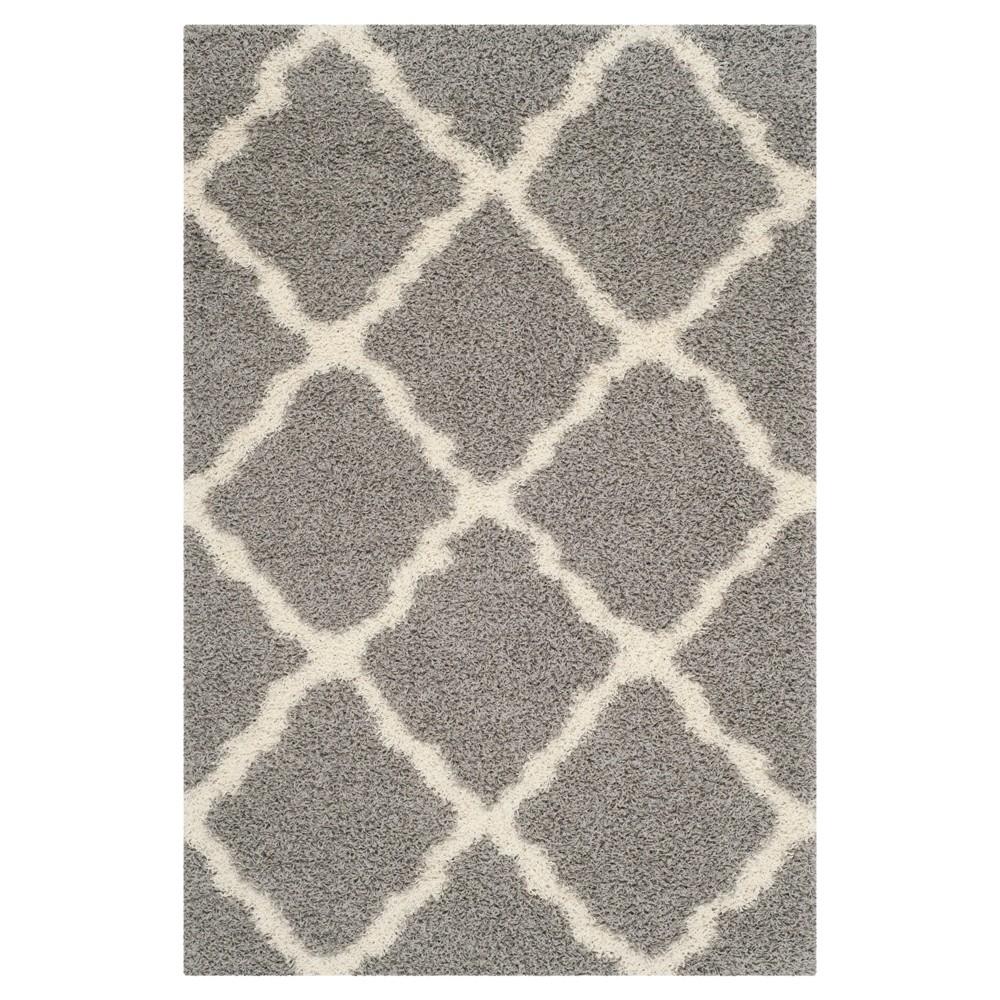 Gray/Ivory Geometric Shag/Flokati Loomed Area Rug - (5'1