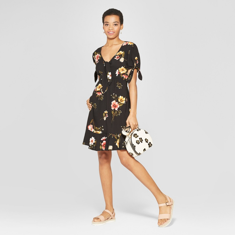 Women's Floral Print Short Sleeve Tie Front Shirtdress - Xhilaration Black M