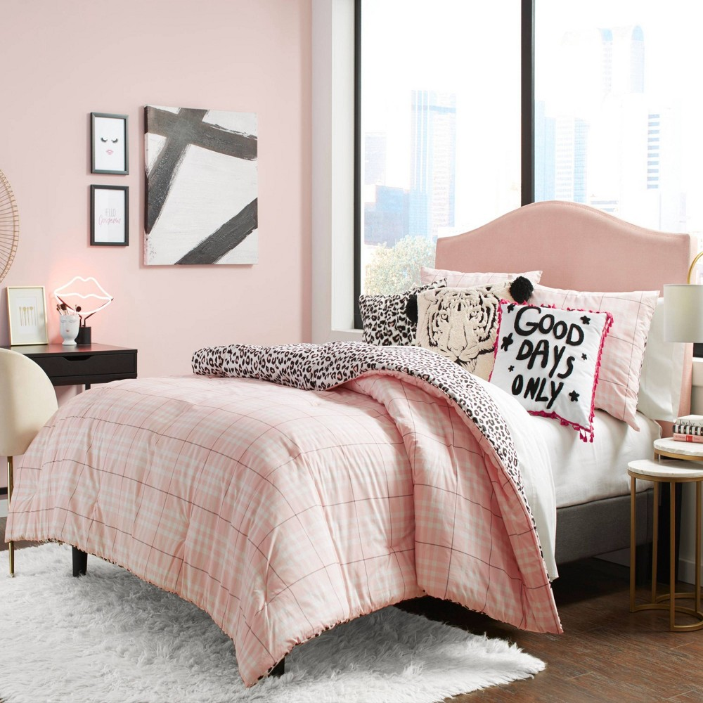 Image of Betseyville Full/Queen Betseys Plaid Comforter Set Pink