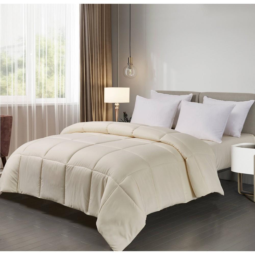 Image of Microfiber Down Alternative Comforter (King) Ivory