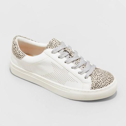 Women's Cadey Sneakers - Universal Thread™ - image 1 of 4