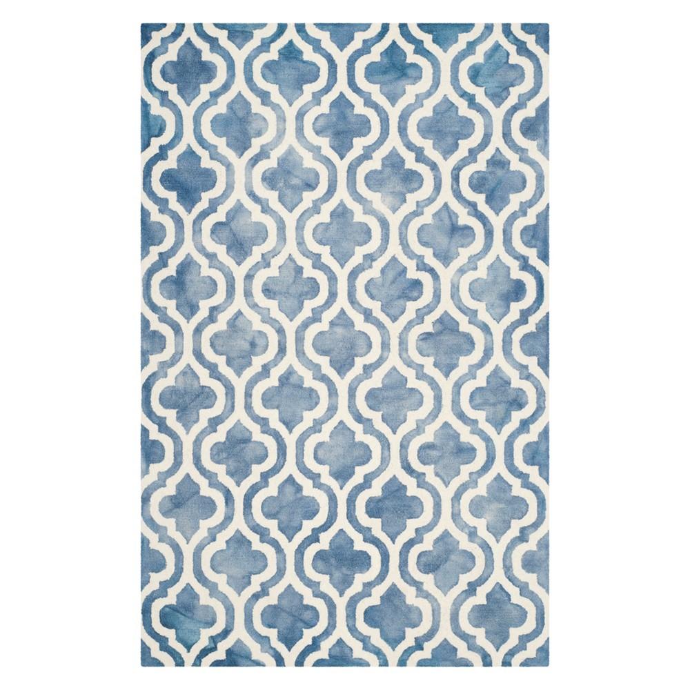 4'X6' Quatrefoil Design Area Rug Blue/Ivory - Safavieh