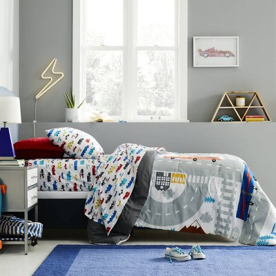 Kids' Bedroom with Transportation Bedding Collection - Pillowfort™