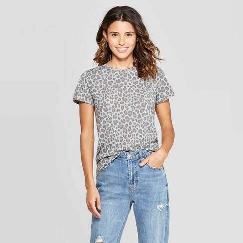 Women's Leopard Print Short Sleeve Graphic T-Shirt (Juniors') - Gray XS