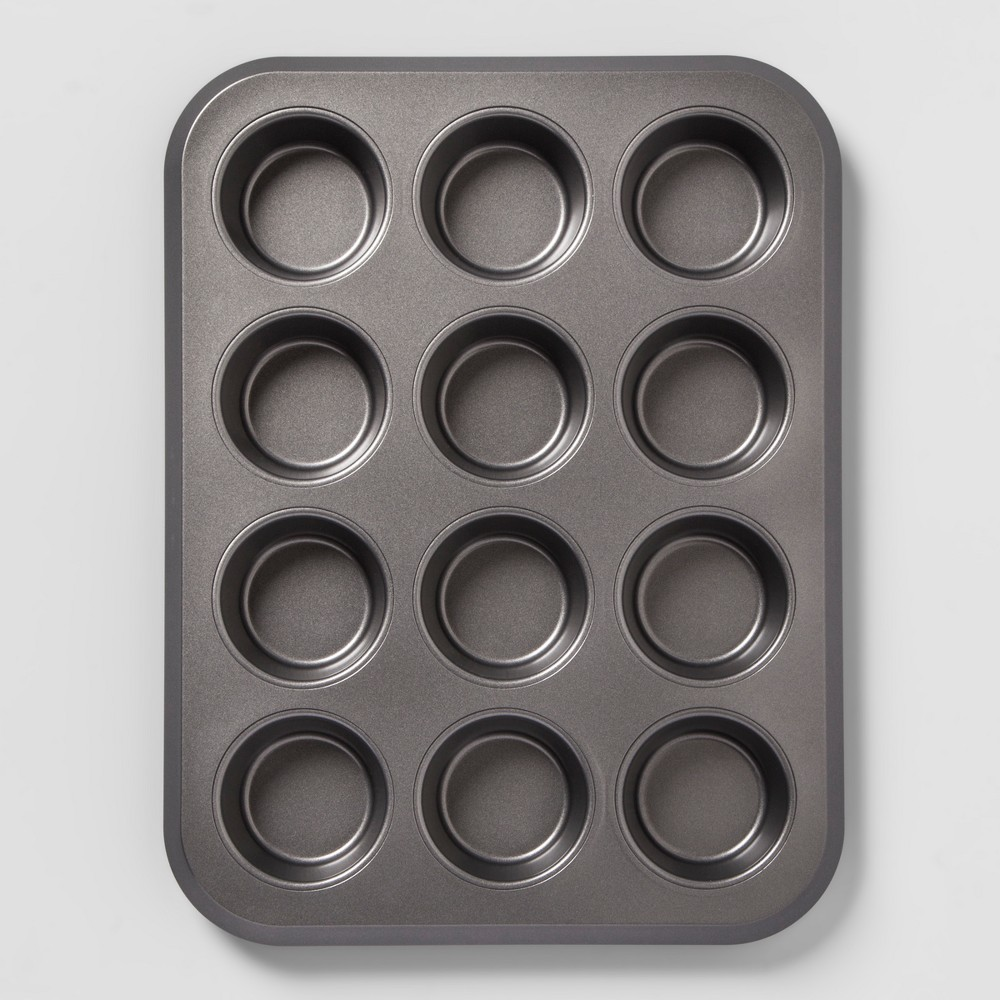 Image of Non-Stick Muffin Tin Carbon Steel - Made By Design , Gray