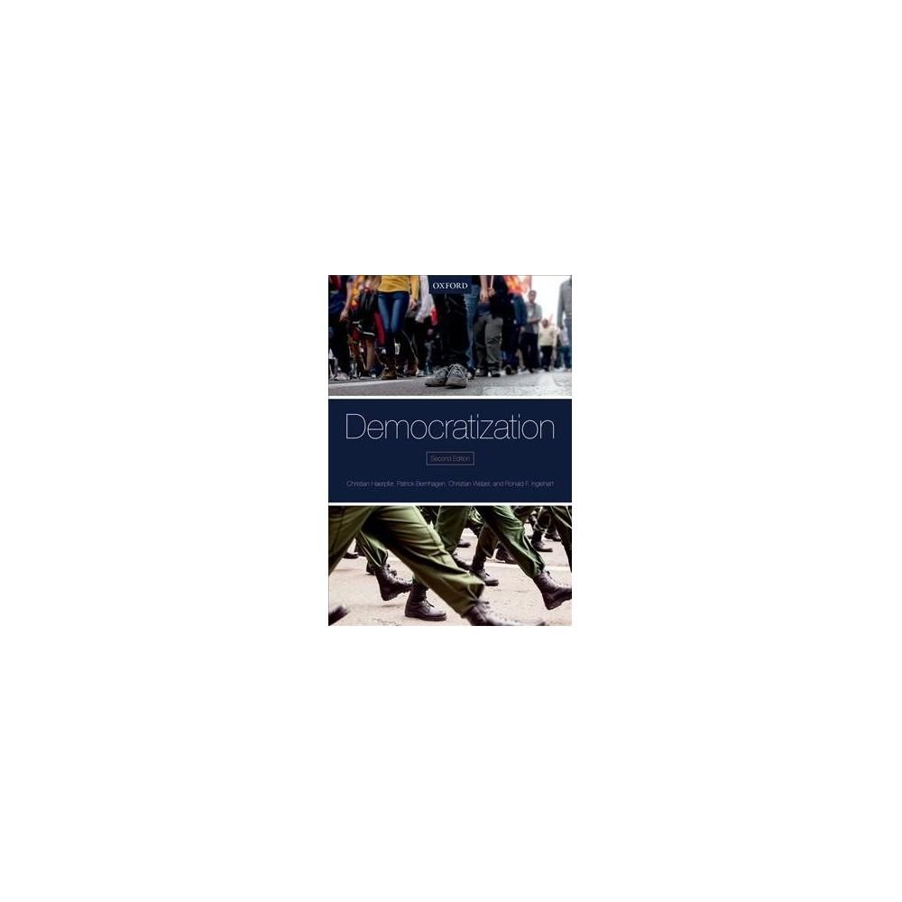 Democratization - 2 by Christian Welzel & Ronald F. Inglehart (Paperback)