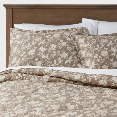 King Family Friendly Floral Comforter & Pillow Sham Set Natural - Threshold™
