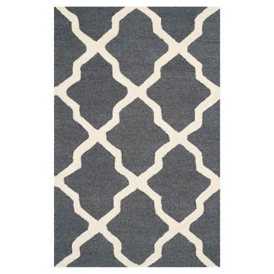 2'X3' Quatrefoil Design Accent Rug Dark Gray/Ivory - Safavieh