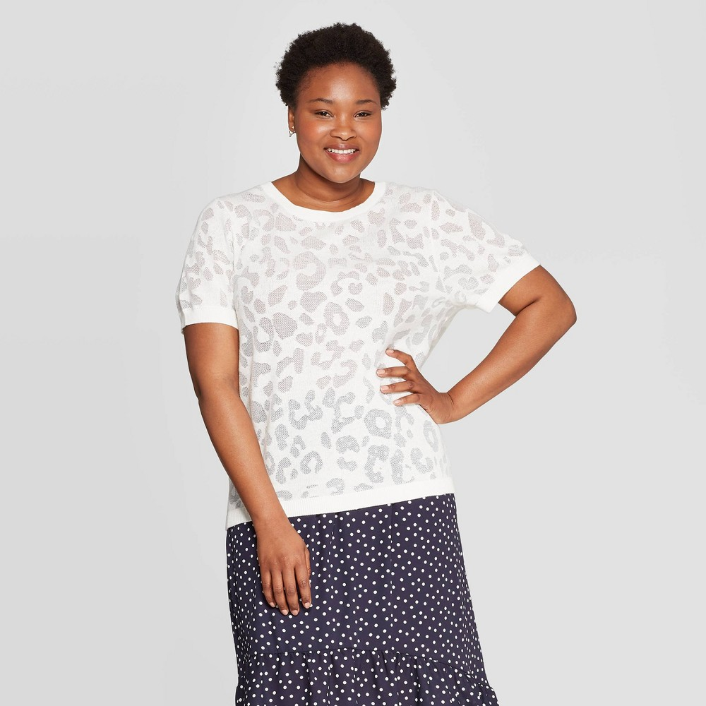 ca47c654556c Womens Plus Size Printed Short Sleeve Crewneck Sweater Ava Viv Cream 2X  Beige