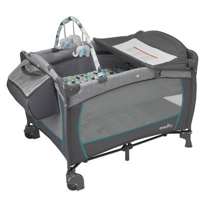 Evenflo Portable BabySuite Deluxe - Prism