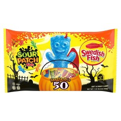 Sour Patch Kids & Swedish Fish Halloween Treat Size Laydown Bag - 50ct/26.5oz