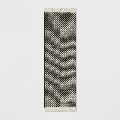 "2'4""X7' Chevron Woven Accent Rug Black/White - Project 62™"